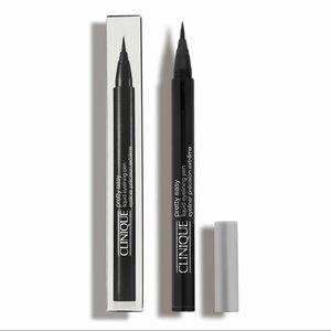 ✨NEW✨ Clinique Pretty Easy Liquid Eyelining Pen